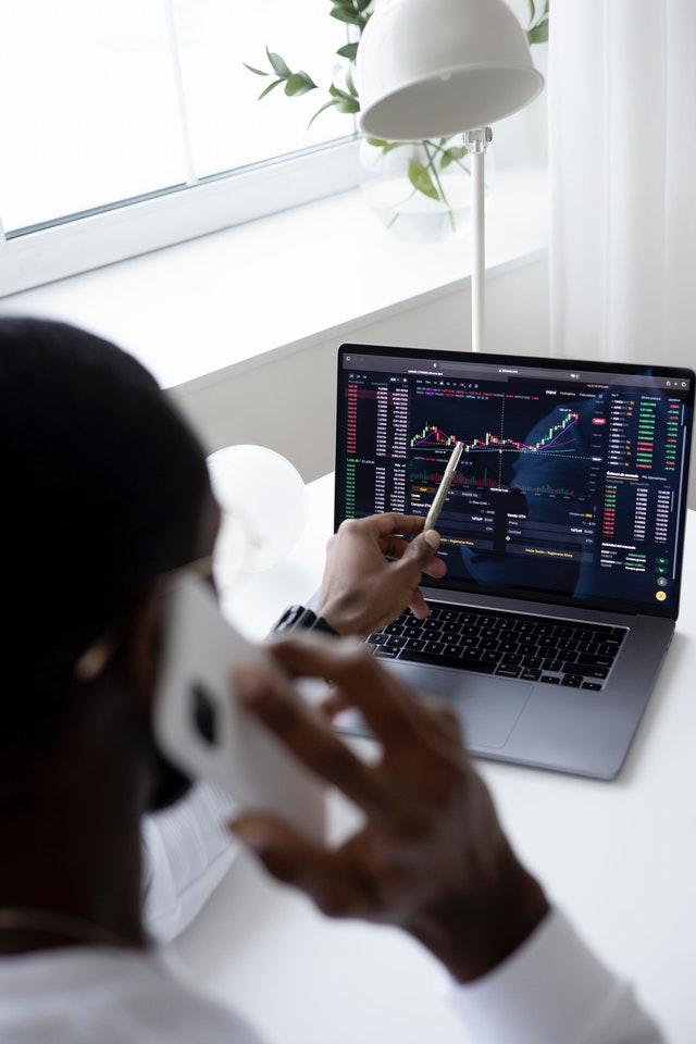 utiliser les produits financiers pour investir en Bourse
